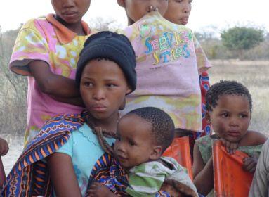 fekete nő gyerekekkel