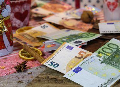 Ezért végzi a kukában most a magyarok spórolt pénze: tényleg szükség van erre? - HelloVidék