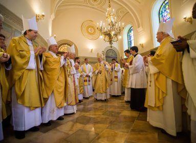 Nagycsütörtökapapság és az eucharisztia ünnepe