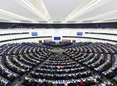 Püspökök az EU-nak: A lengyel abortusztörvény jó