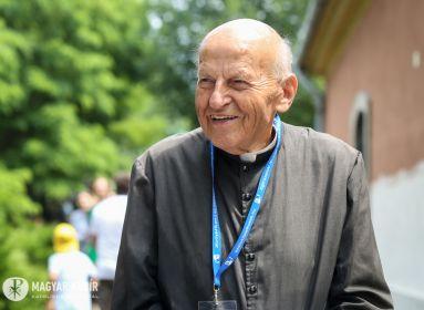 Kerényi Lajos: Keressük az eszmét a társadalom építőköveiben!