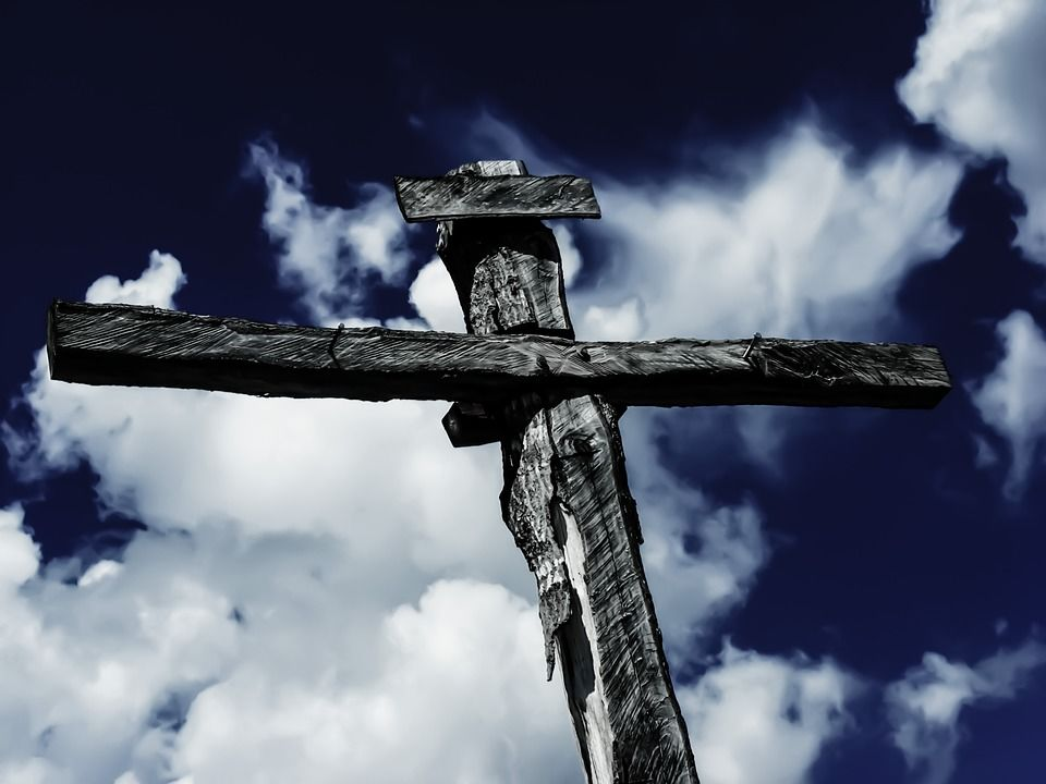 Mi pedig dicsekedjünk Urunk, Jézus Krisztus keresztjében!