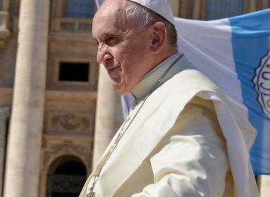 Petícióban kérik Ferenc pápát, hogy korrigálja kijelentését