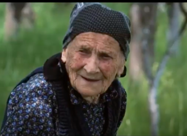 A trianoni döntésnél is idősebb székely néni vall az élet fontos dolgairól