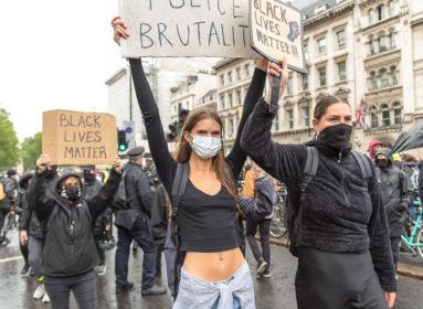 Addig tartott a BLM-tüntetés, amíg ki nem derült, hogy az áldozat fehér