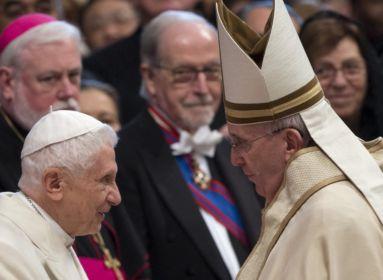 Ferenc pápát megrendítette Georg Ratzinger halála