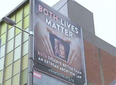 Kiborultak a BLM aktivistái az életvédő plakát miatt