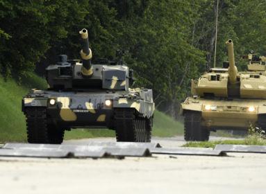 Elkészültek az első magyar Leopard harckocsik