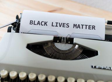 A Politico bevette, hogy mindennapos a rasszizmus Magyarországon