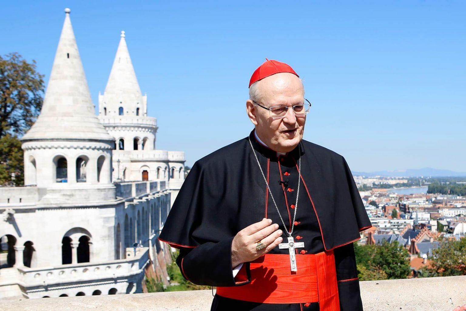 Erdő Péter bíboros áldását küldte a különböző egyházzenei stílusok együttműködésére.