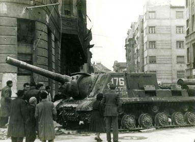 """""""Egy nép kiáltott"""" - soha nem látott fényképek a forradalom napjaiból"""