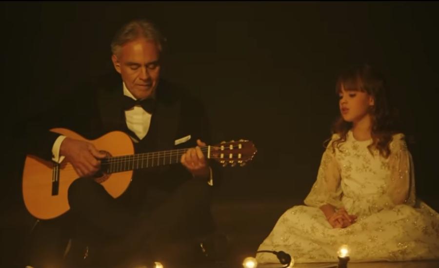 Andrea Bocelli a kislányával közösen énekli a Hallelujah-t