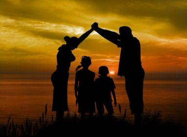 Nem mind család, ami fénylik