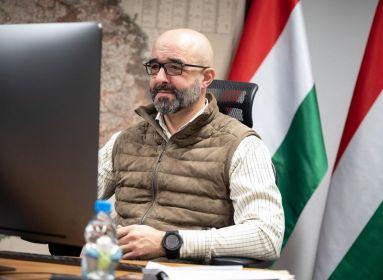 Magyar kormánytagot cenzúráztak