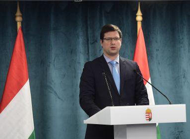 Két hétre bezár Magyarország