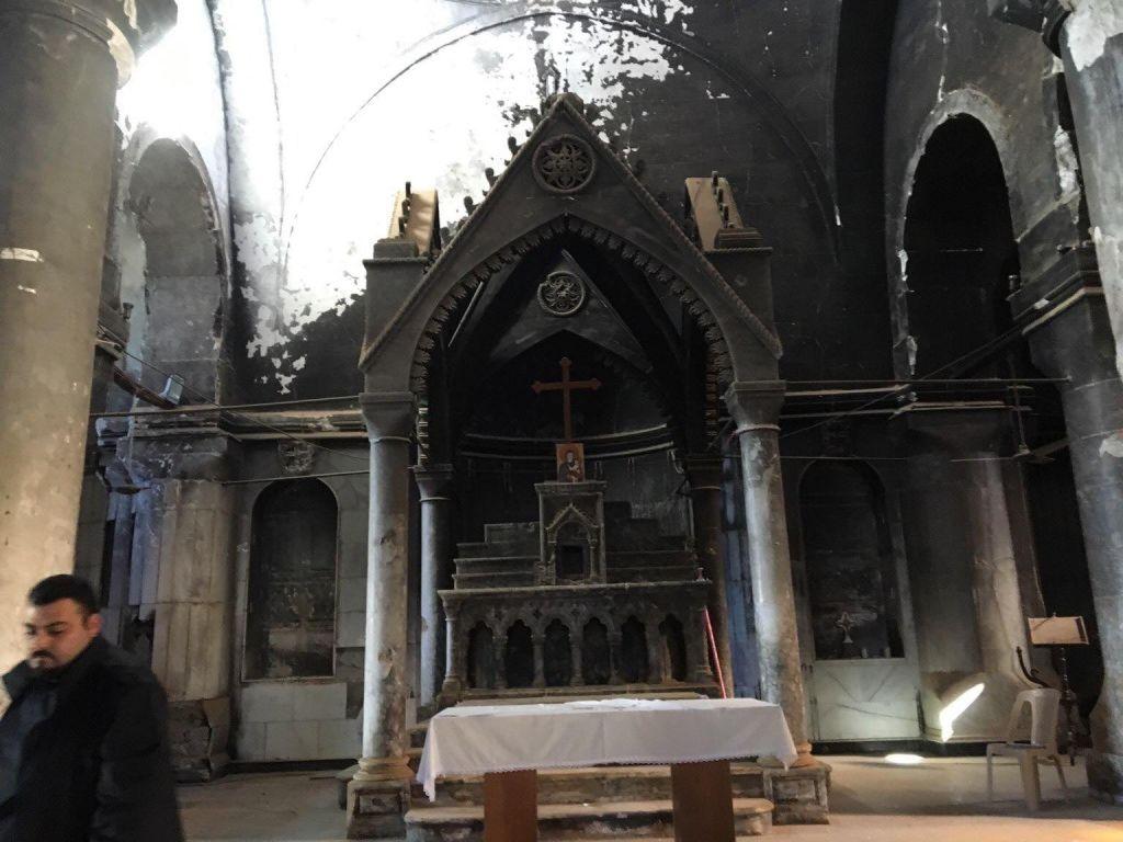 Az Iszlám Állam által felégetett karakosi Szeplőtelen fogantatás templom.