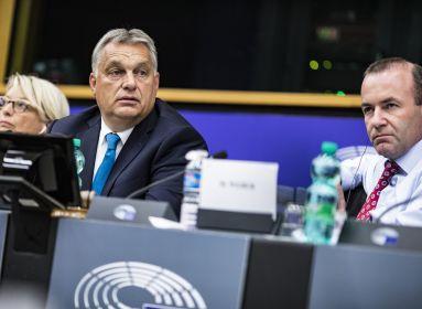Az Európai Néppárt identitásváltása miatt lépett ki a Fidesz