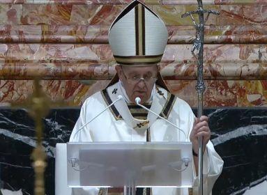 Ferenc pápa beszél