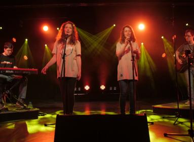 A Keresztpont együttes Jézus örömhíréről énekel