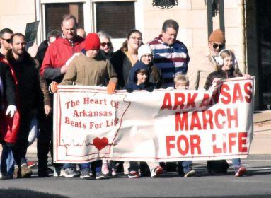 Tüntetés a Planned Parenthood és az abortusz ellen.