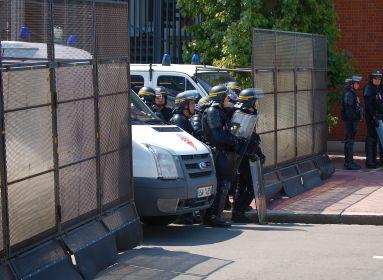 Akcióban a francia rendőrség.