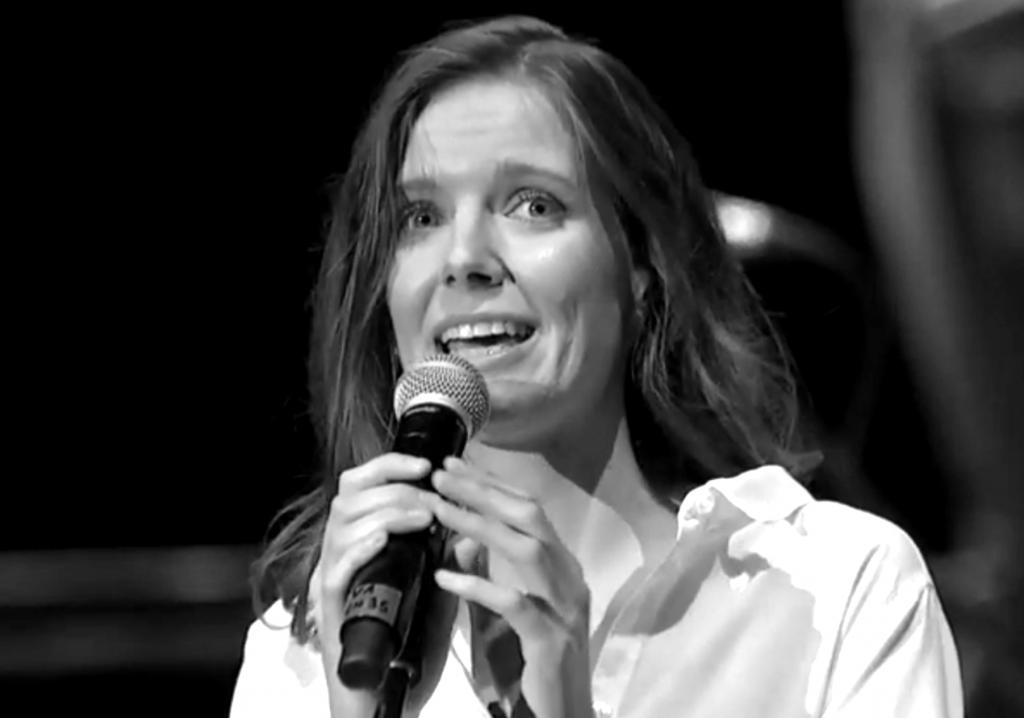 Varga Mónika, Varga Attila lánya maga is dicsőíti Istent zenével