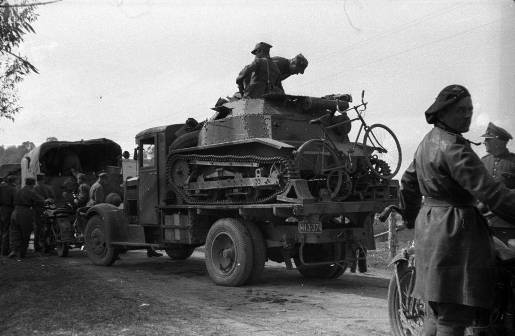 1939 szeptember, lengyel katonák a lengyel-magyar határon (Forrás: Fortepan.hu)