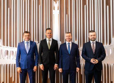 Szijjártó Péter a szlovákiai magyar pártokkal találkozik.