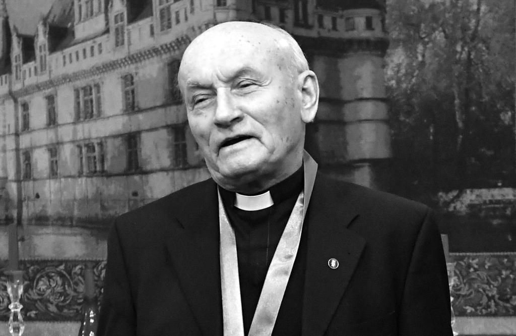 Varjú Imre atya vasmisés pap mindig támogatta a keresztény könnyűzenét.