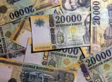 Jövőre várhatóan 260 ezer forint lesz a garantált bérminimum
